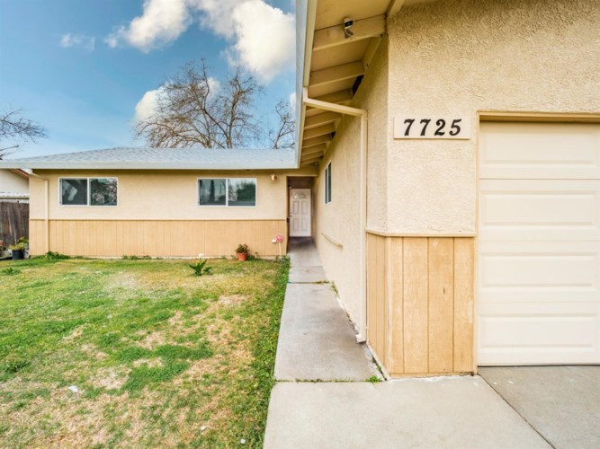 7725 Mary Lou Way, Sacramento, CA 95832