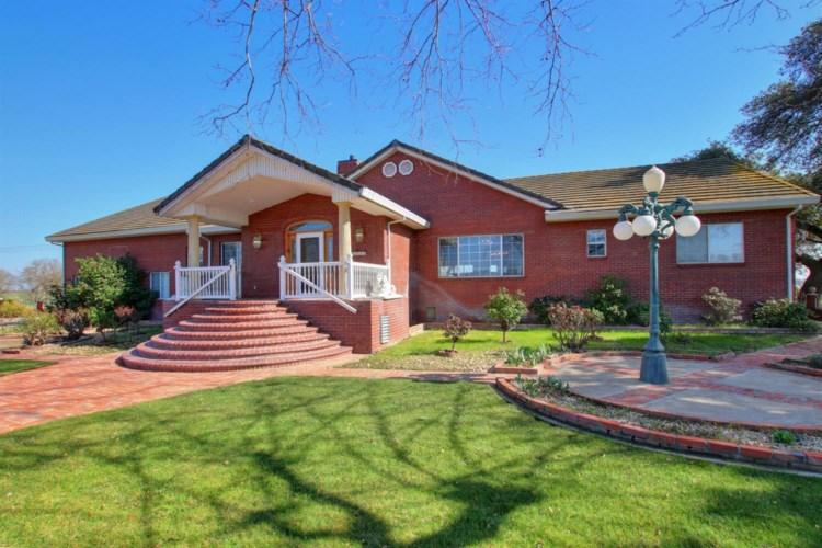 11337 Dillard Rd, Wilton, CA 95693
