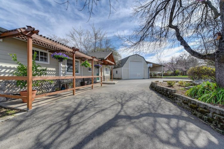 9140 Crater Hill Road, Newcastle, CA 95658