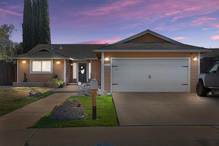 1240 Valeriewood Way, Modesto, CA 95355
