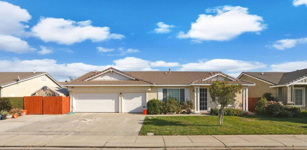 490 Gregory Place, Manteca, CA 95336