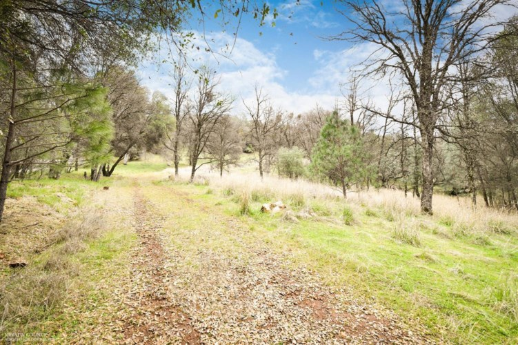 12920 Woodlake Road, Grass Valley, CA 95949