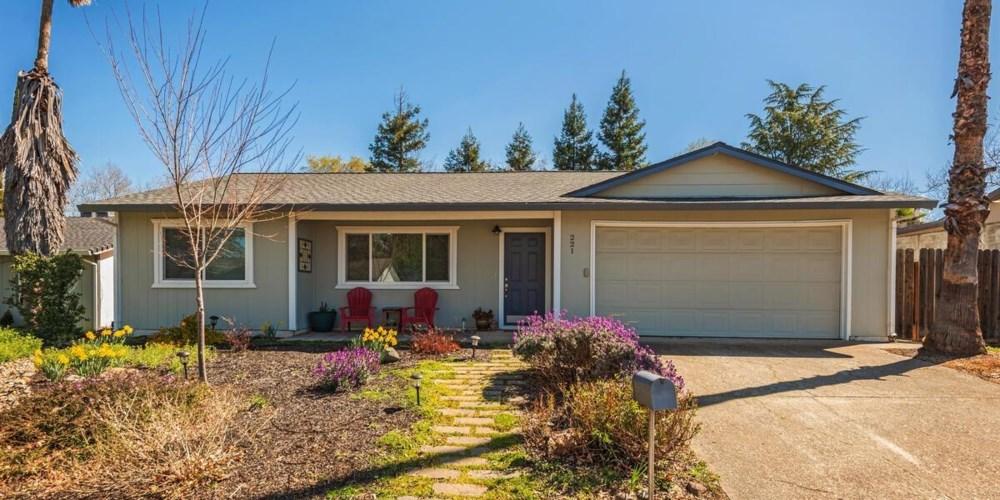 221 Briarcliff Drive, Folsom, CA 95630