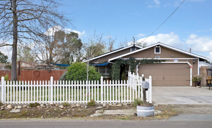 929 S Dawes Avenue, Stockton, CA 95215