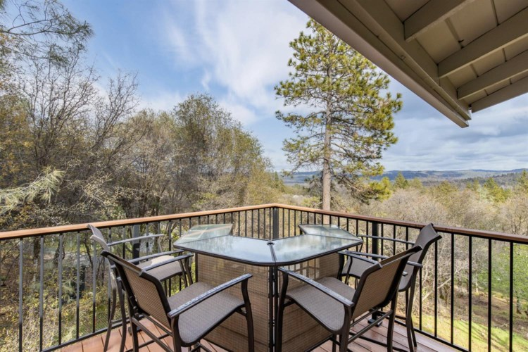 10923 Lincoln Way, Penn Valley, CA 95946