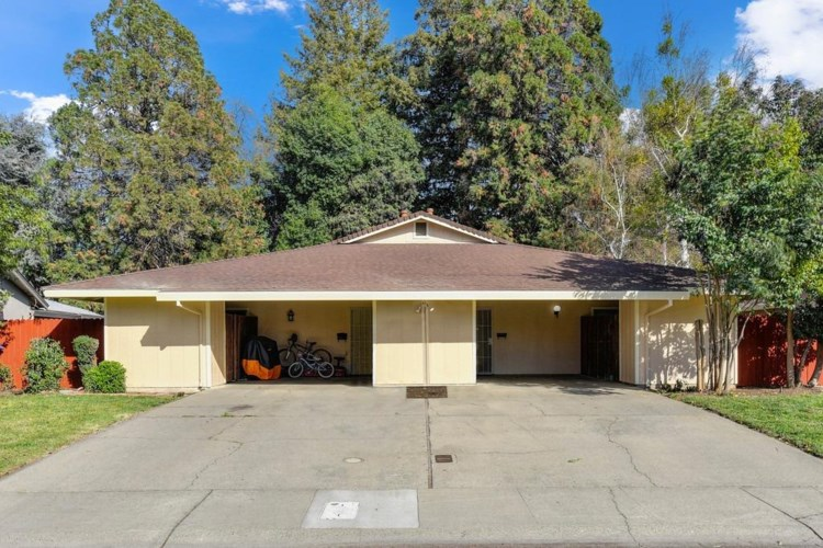977 Johnfer Way, Sacramento, CA 95831