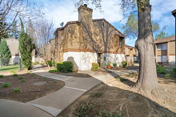 3514 Larchmont Square Lane, Sacramento, CA 95821