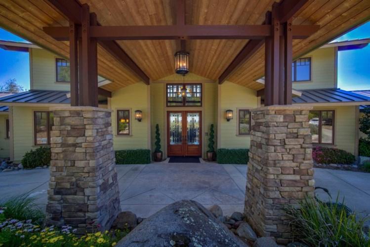 8375 Rustic Woods Way, Loomis, CA 95650