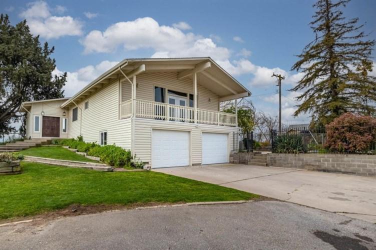 10601 Sawyer Avenue, Oakdale, CA 95361