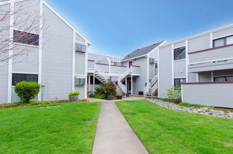 7405 Auburn Oaks Court  #D, Citrus Heights, CA 95621