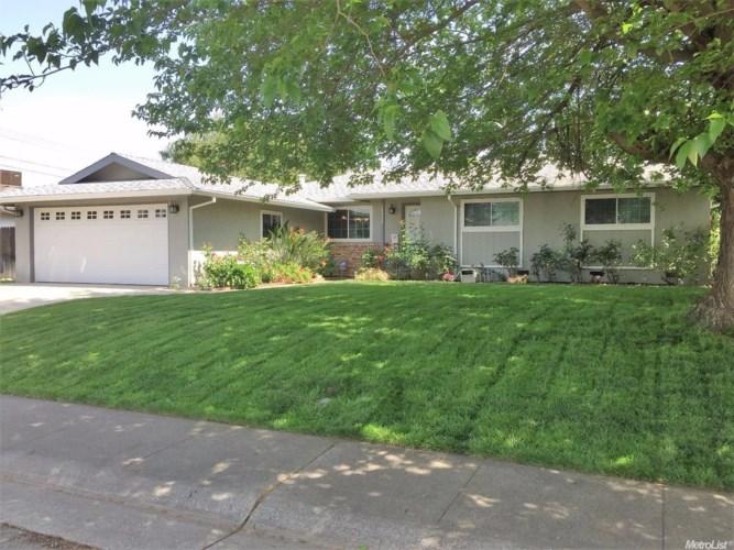 4804 Berksford Street, Sacramento, CA 95841