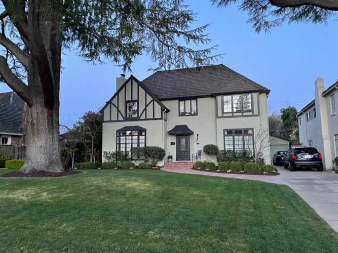1136 46th Street, Sacramento, CA 95819