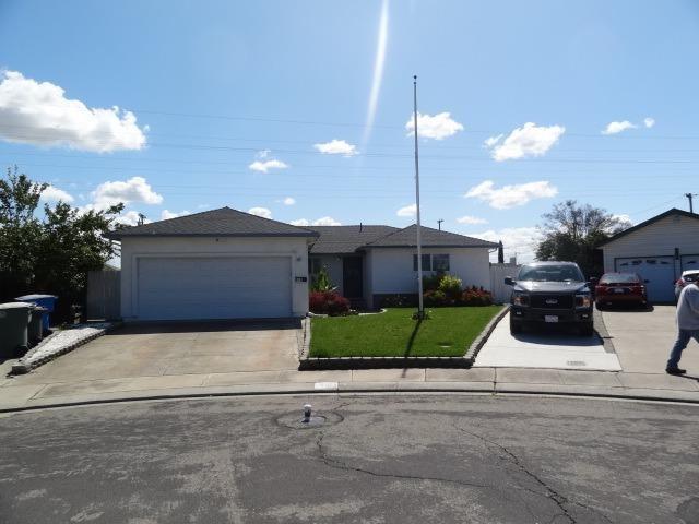 410 Orange Court, Manteca, CA 95336