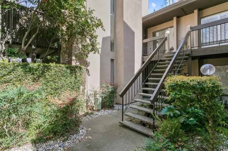 2233 Woodside Lane  #8, Sacramento, CA 95825