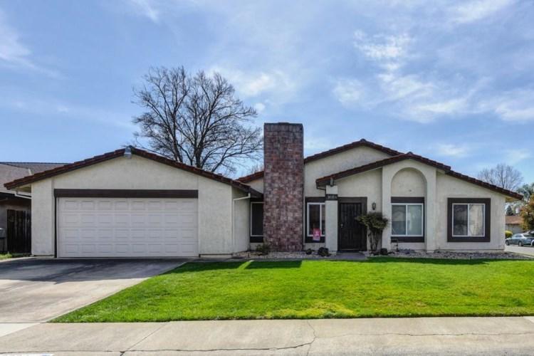 9064 Lismore Drive, Elk Grove, CA 95624