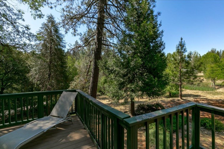 18201 Spring Valley Drive, Grass Valley, CA 95945
