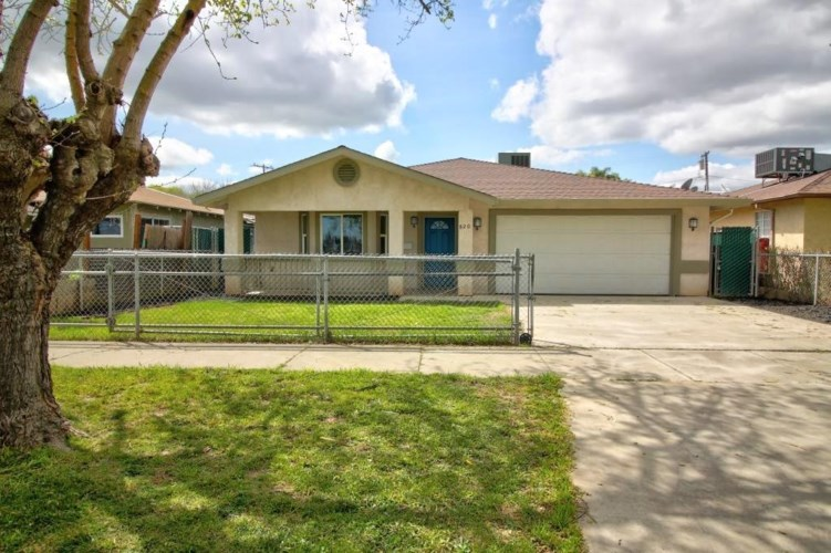 820 W 5th Street, Merced, CA 95341