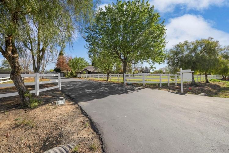 3553 E Woodson Road, Acampo, CA 95220
