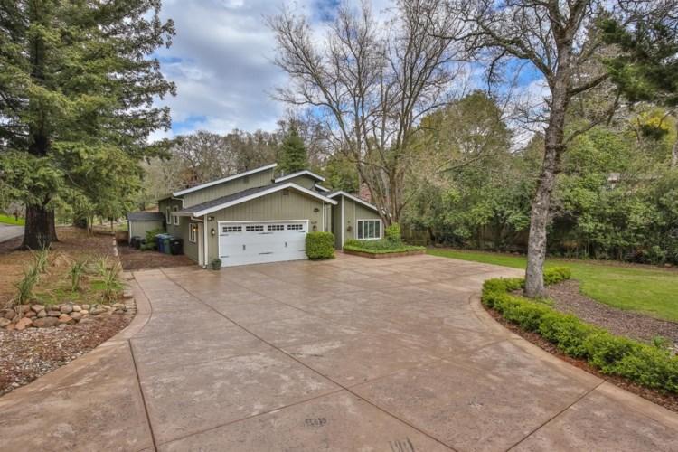 8639 Winding Way, Fair Oaks, CA 95628