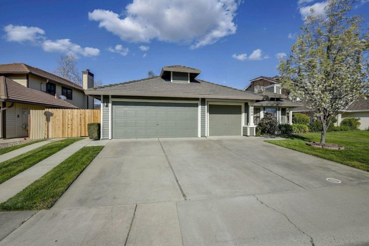 9204 Newington Way, Elk Grove, CA 95758