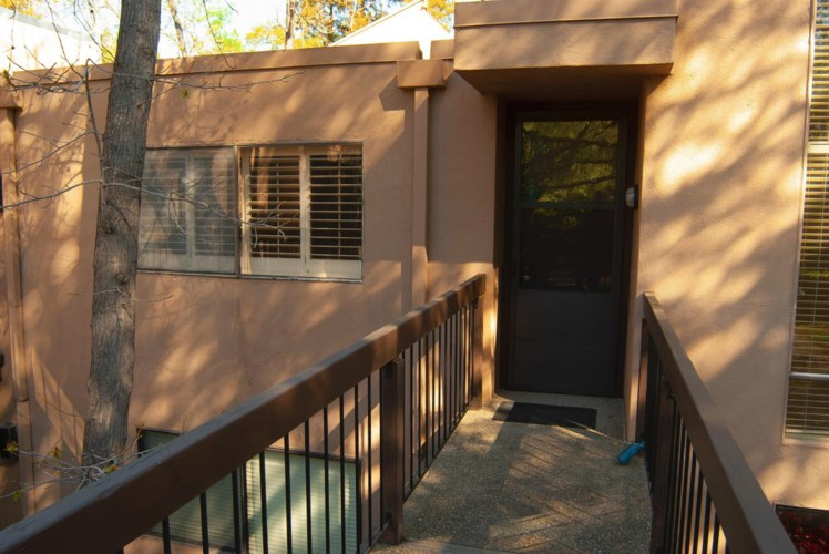 606 Woodside Sierra  #6, Sacramento, CA 95825
