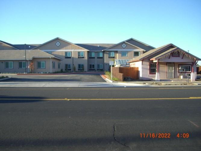 1352 W F Street, Oakdale, CA 95361