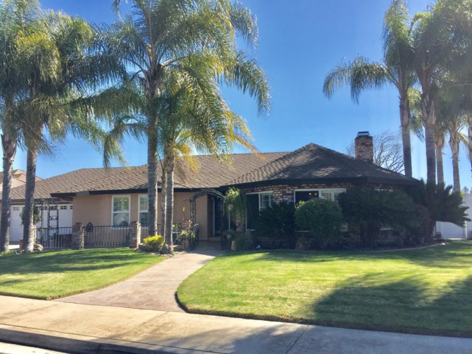 71 Willowood Drive, Oakdale, CA 95361