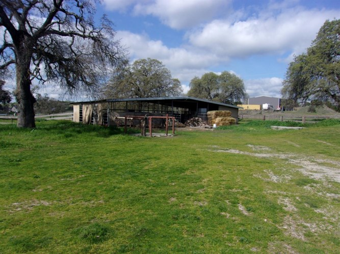 10712 Camanche Pkwy S, Wallace, CA 95254