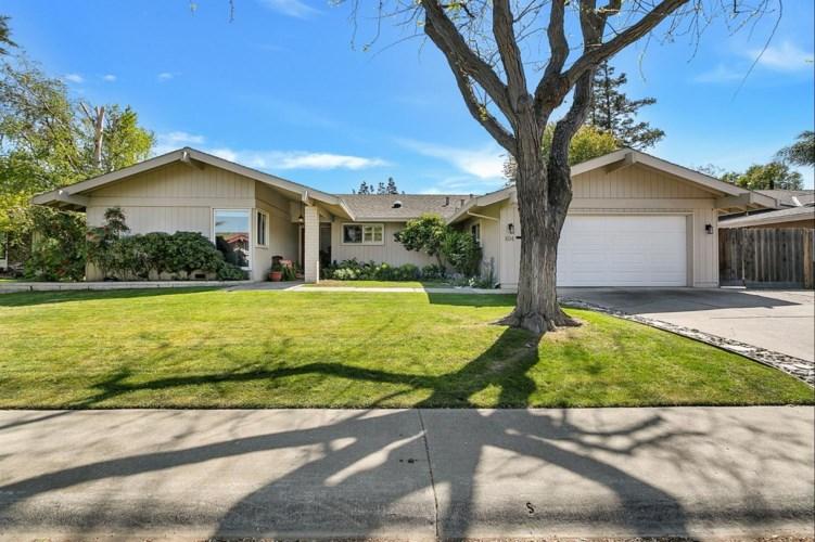 104 Monte Vista Drive, Woodland, CA 95695