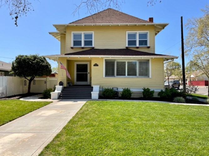 1205 P Street, Newman, CA 95360