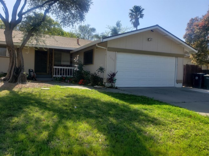 7608 Center Pkwy, Sacramento, CA 95823