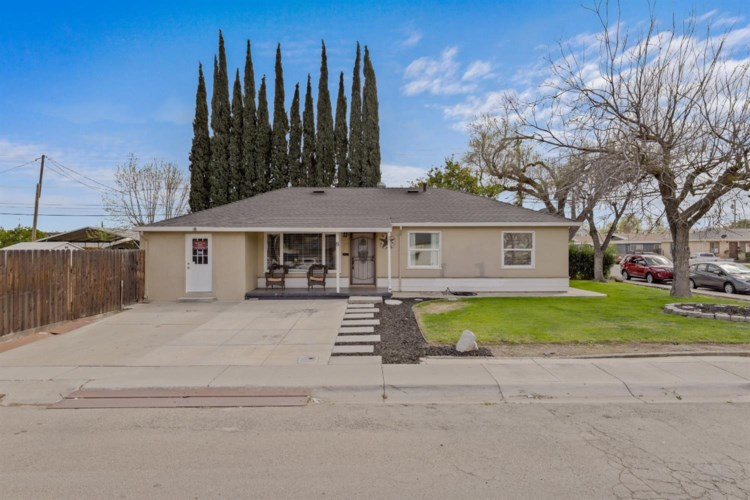 8 E Lowell Avenue, Tracy, CA 95376