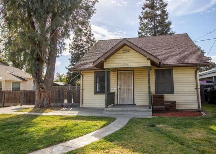 1341 Dent Street, Escalon, CA 95320