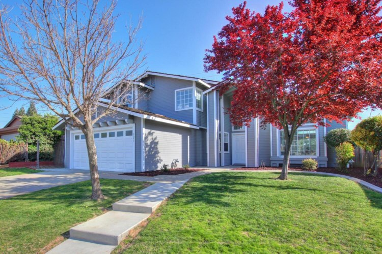 523 Oakborough, Roseville, CA 95747