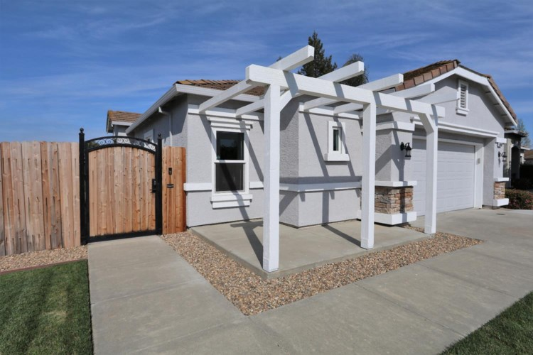 3410 Kodiak Island Place, West Sacramento, CA 95691