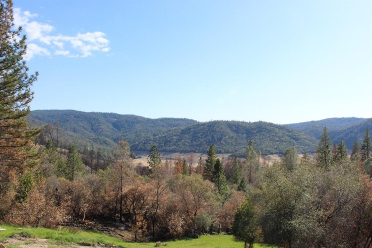 52 Canfield Dr, Oroville, CA 95966