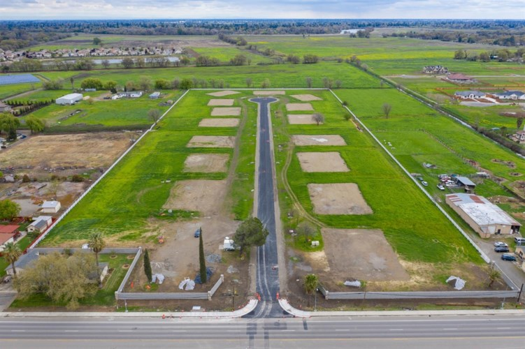 2582 Myers Ranch Lane, West Sacramento, CA 95691
