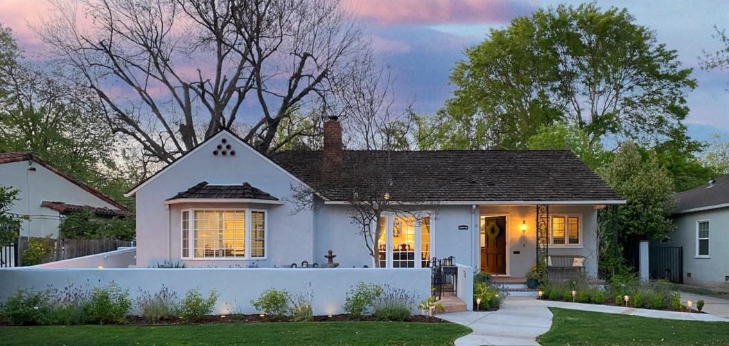 1207 Marian Way, Sacramento, CA 95818