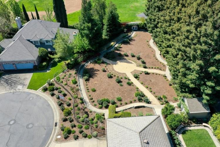 10 Latham Lane, Sacramento, CA 95864