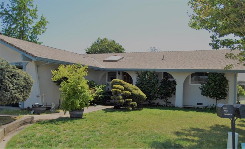 2352 Klamath Court, Lodi, CA 95242