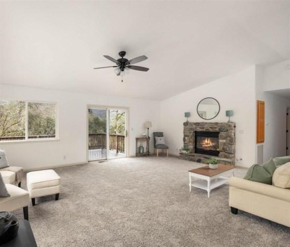 15494 Clover Valley Road, Grass Valley, CA 95949