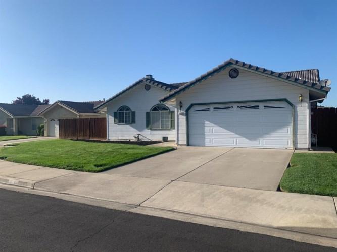 1558 Snowy River Court, Oakdale, CA 95361