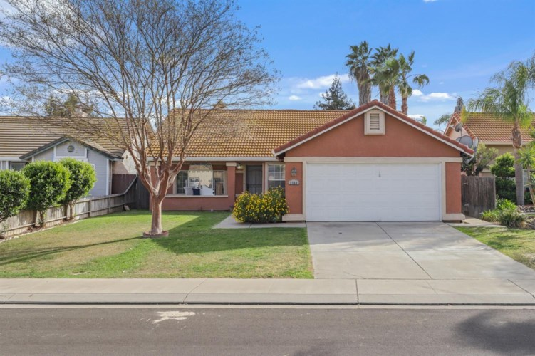 2568 Bordona Drive, Riverbank, CA 95367