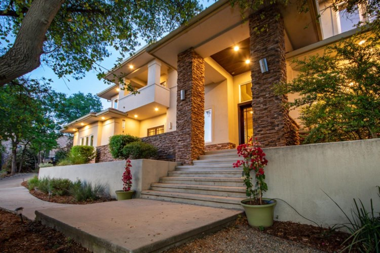 2354 Clubhouse Dr, Rocklin, CA 95765