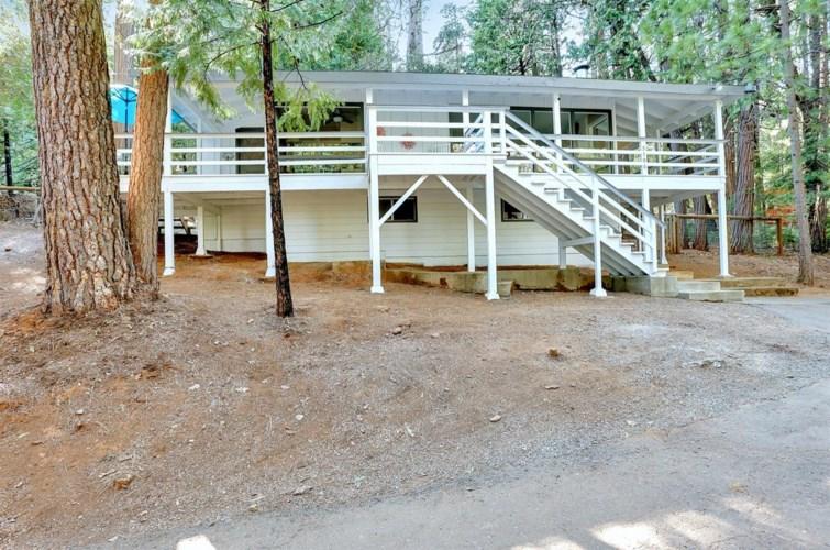 5106 Loch Leven Drive, Pollock Pines, CA 95726
