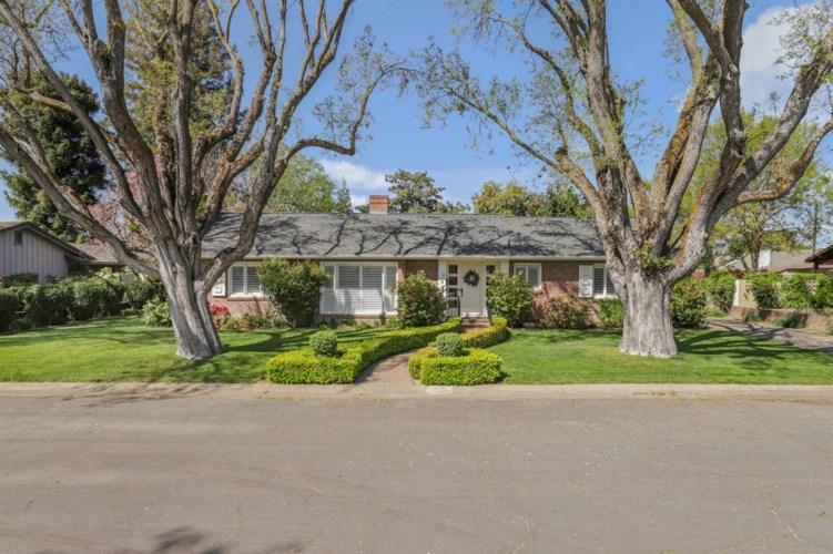 9 Barton, Oakdale, CA 95361