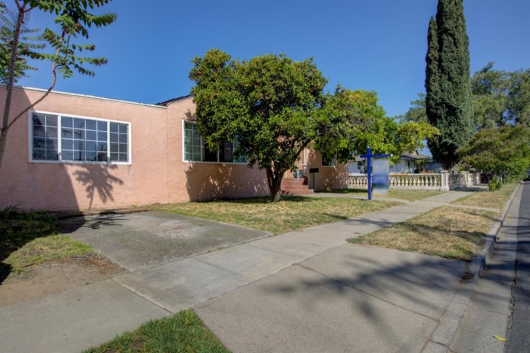 209 N Grant Avenue, Manteca, CA 95336