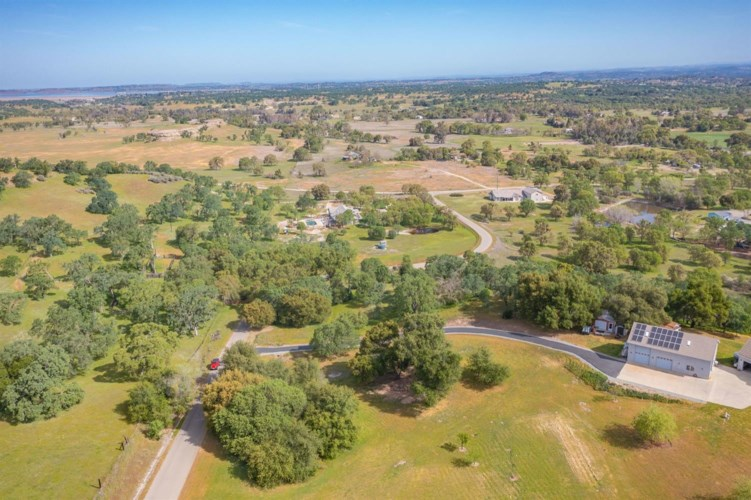 692 White Owl Drive, Wallace, CA 95254