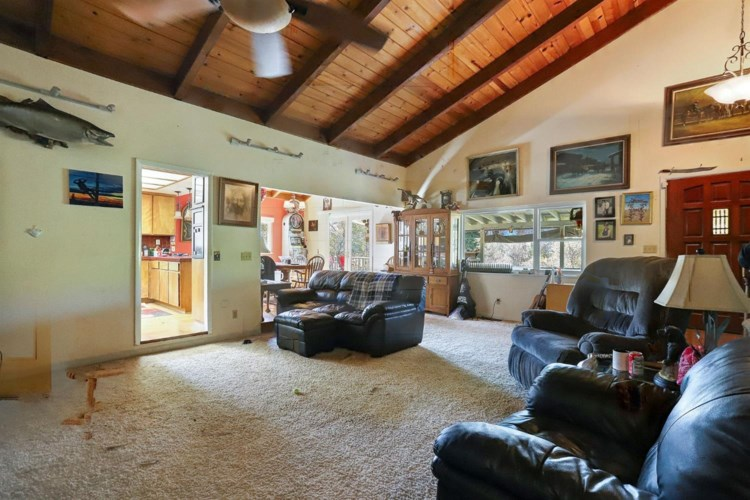 15110 Black Gold Road, Rough and Ready, CA 95975