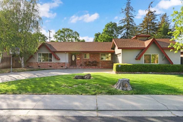 7709 Woodside Dr, Stockton, CA 95207